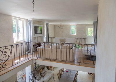 Le dortoir est situé au dessus du salon