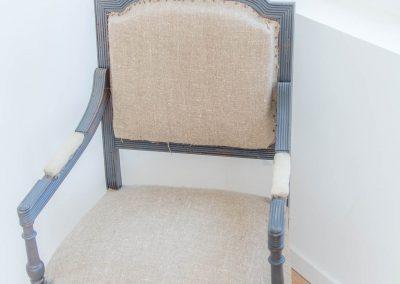 Une chaise dans la chambre une du mas d'élise